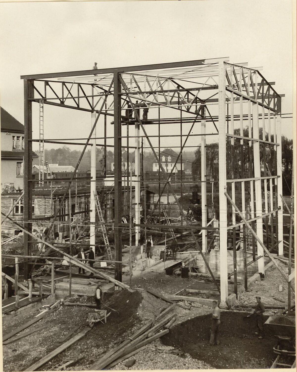 GFA 24/53.1157: New broiler house