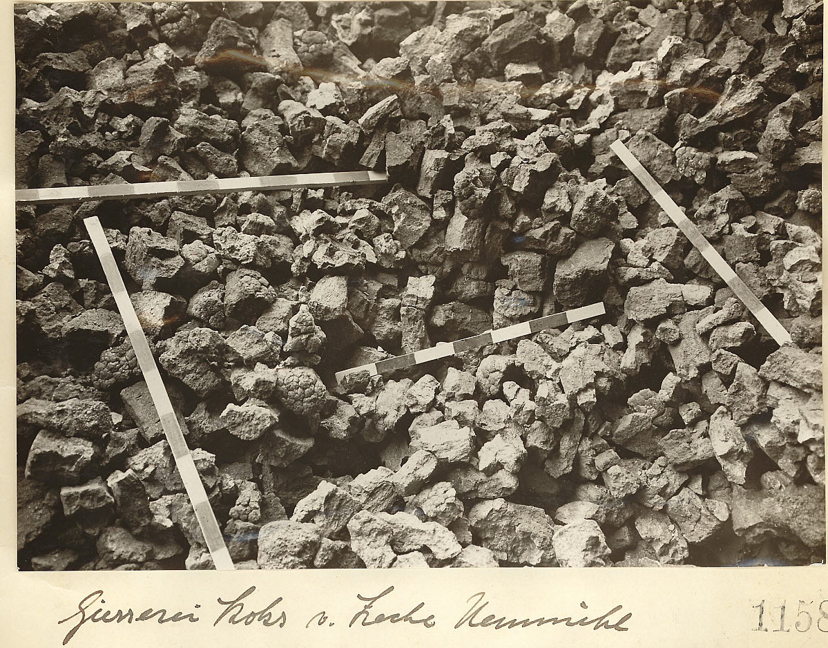 "GFA 24/53.1158: Casting coke from the mine ""Neumühl"""