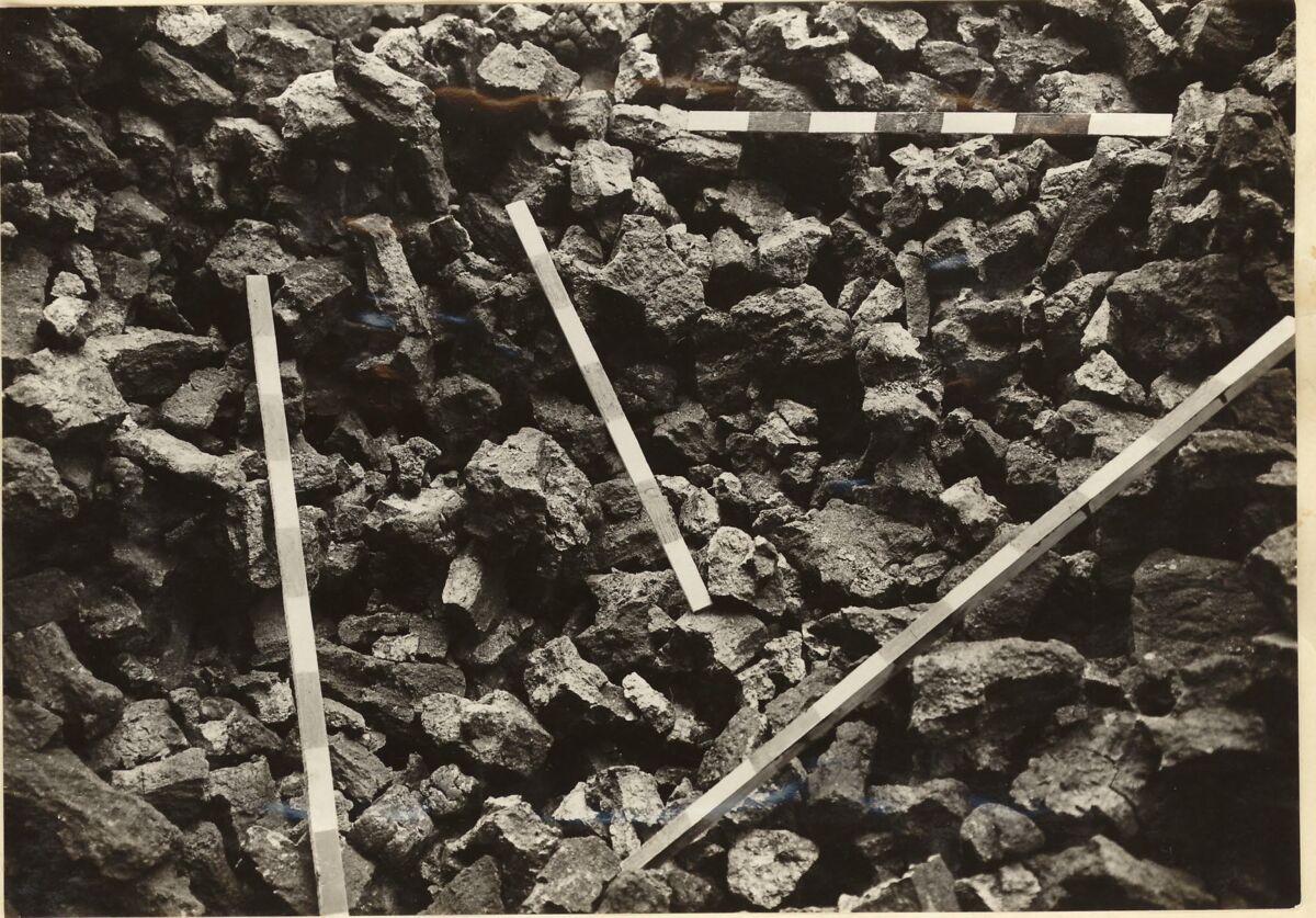"GFA 24/53.1159: Casting coke from the mine ""Neumühl"""