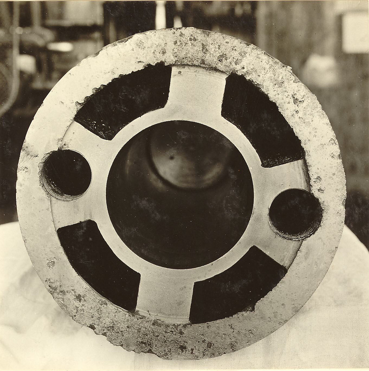 GFA 24/53.1180: Nicholls moulding machine
