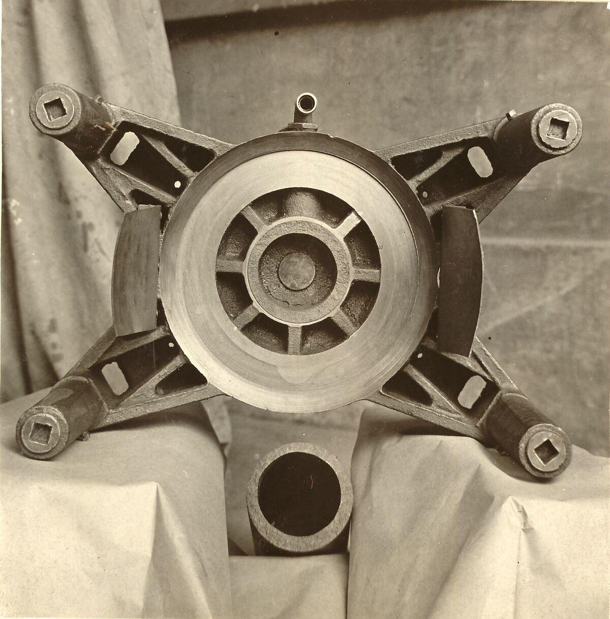 GFA 24/53.1191: Part of a Nicholls vibrating moulding machine