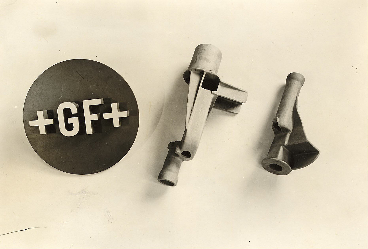 GFA 24/54.1573: Left main bearing and clamp bearing