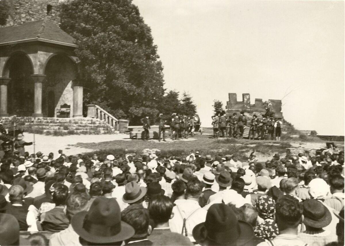 GFA 24/55.3070: Hohentwiel festivals July 1938