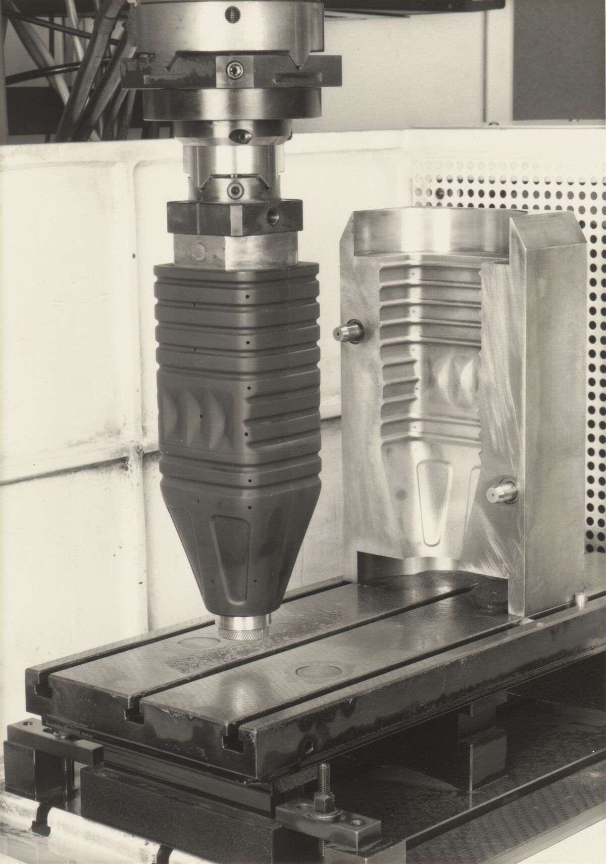 GFA 42/100263: Erodieren einer Spritzgiessform