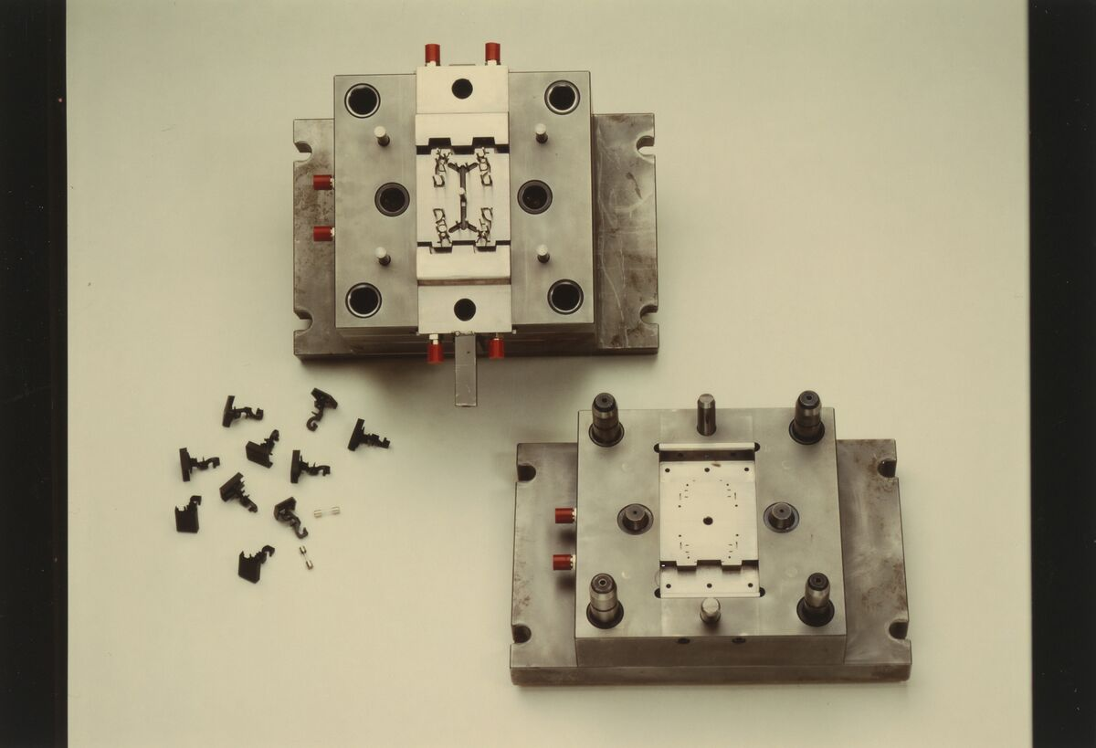 GFA 42/101209: Thermoplastic injection molding tool