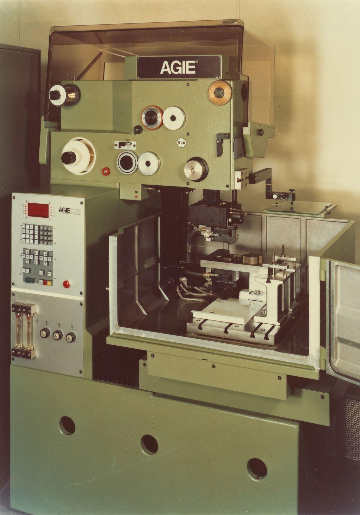 GFA 42/22159: AGIECUT DEM 250 mit Steuerung CNC 100
