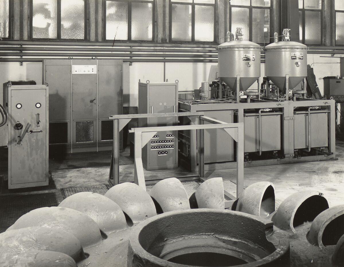 GFA 42/35511: AGIETRON-EMS 30 / P38 special machine at Georg Fischer, Schaffhausen