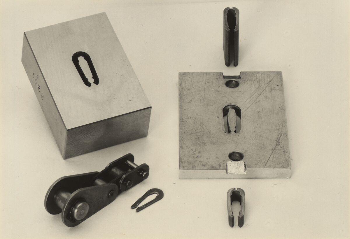 GFA 42/37029: Stanzmatrize mit Stahlstempel
