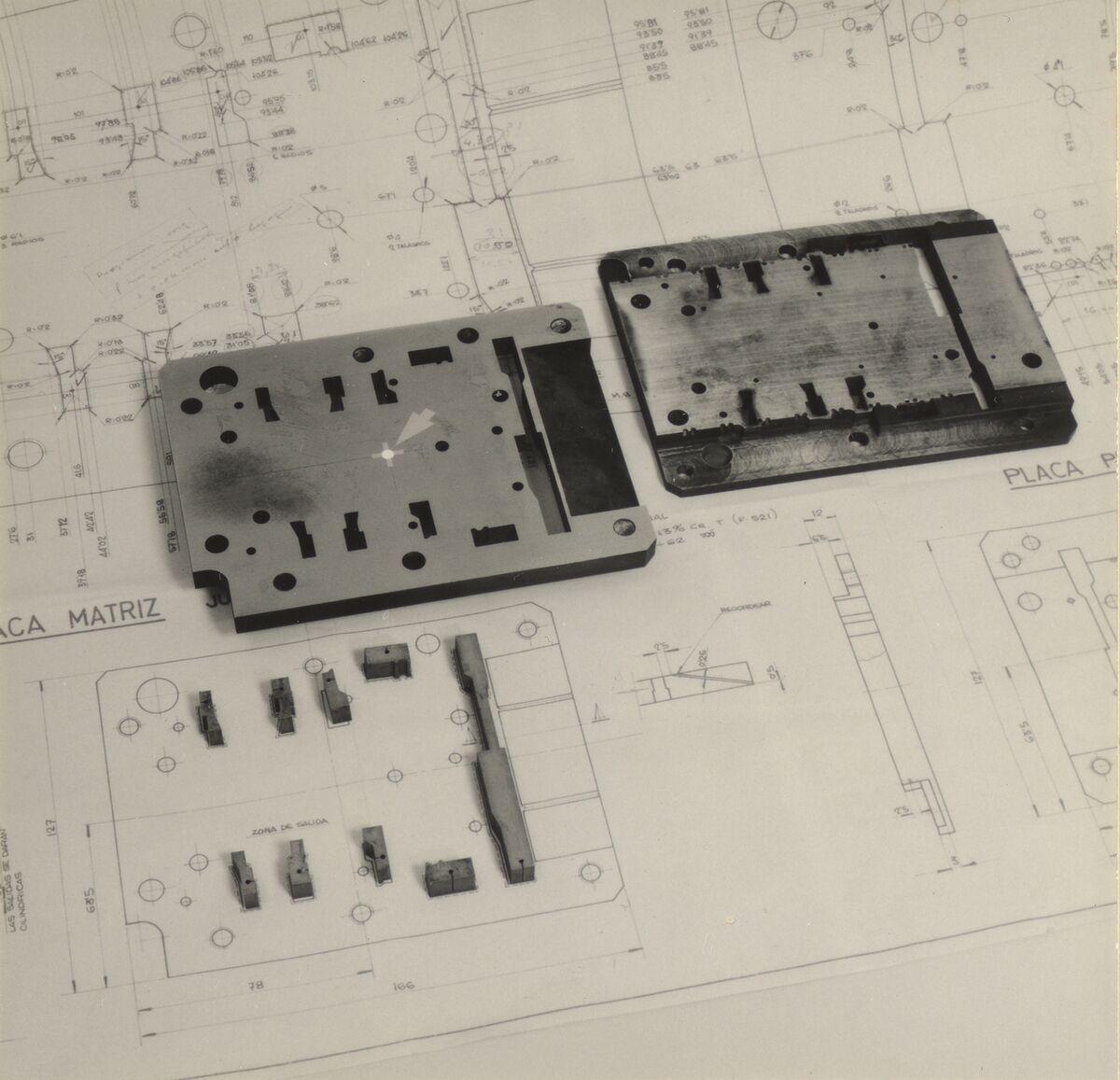GFA 42/37085: Schnitt- und Abstreiferplatte