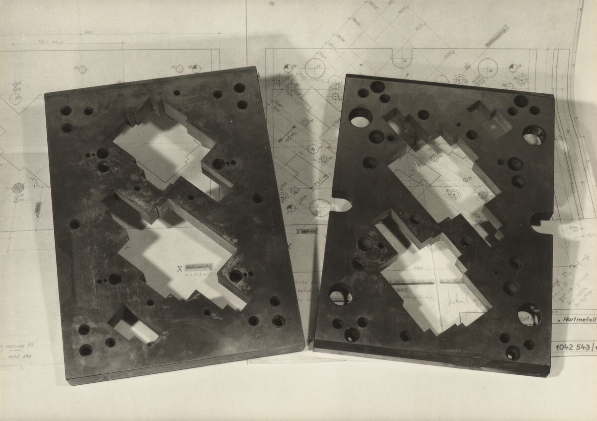 GFA 42/37204: Cutting and pressing plate for punching tool