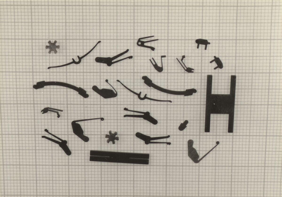 GFA 42/39128: Cut-EDM prototype arrows