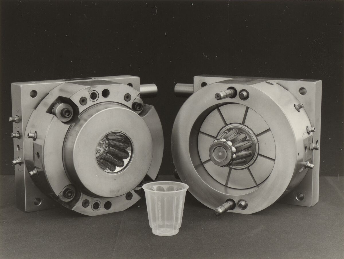 GFA 42/41090: Injection mold for pudding cups