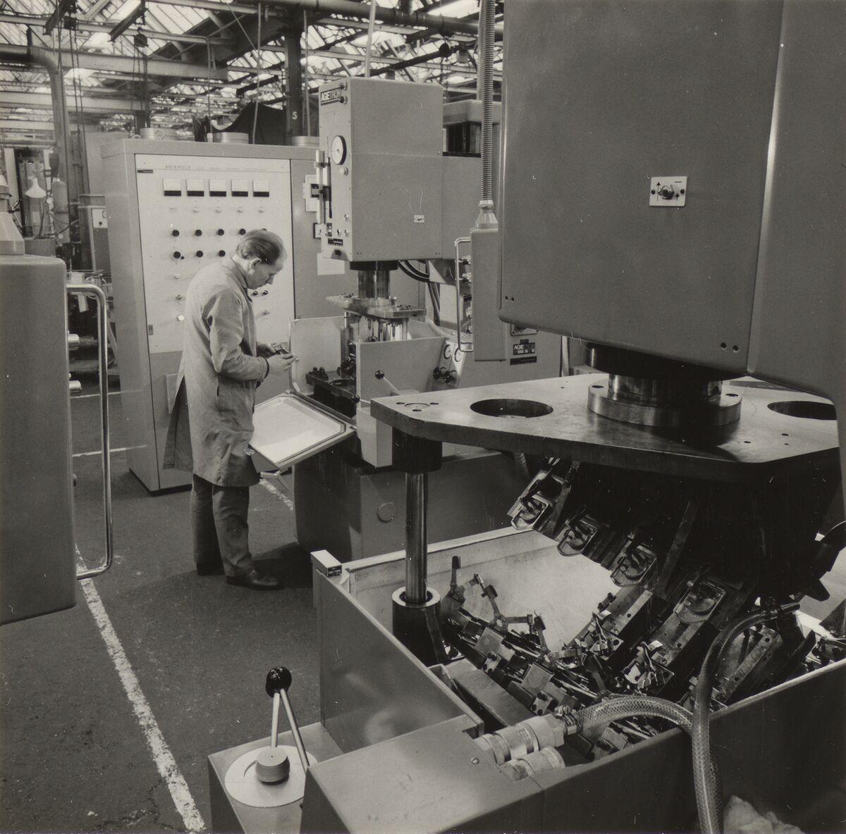 GFA 42/60019: AGIETRON BL bei Rolls-Royce, Derby