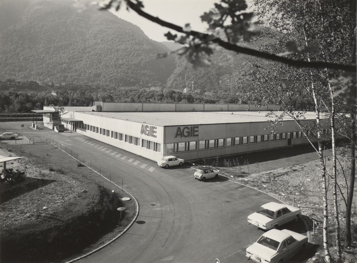 GFA 42/62105: New building of the Zandone electrical factory